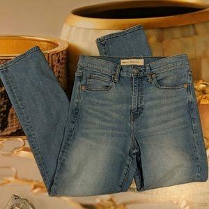 Cute high waisted gap jeans 👖